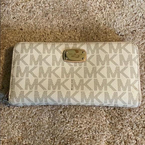 MICHAEL Michael Kors Handbags - Michael Kors wallet